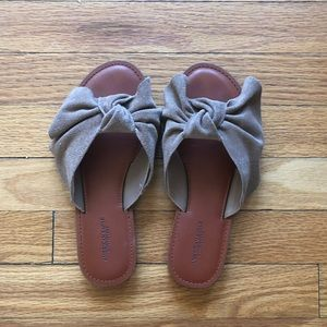 8d87b68c9b98d American Eagle Outfitters Shoes - AEO